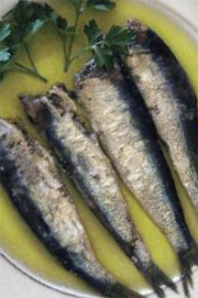 Marinaded small fish in extra virgin olive oil