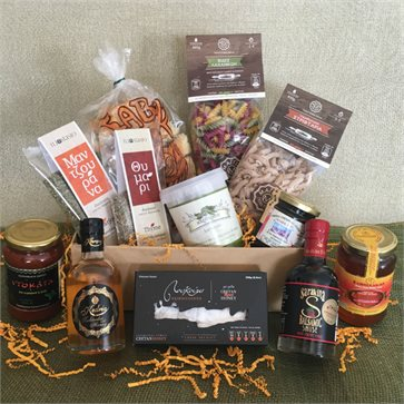 Cretan goodies box with 12 traditional products