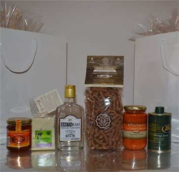 Cretan Gift of 6 superior local products in a gift bag