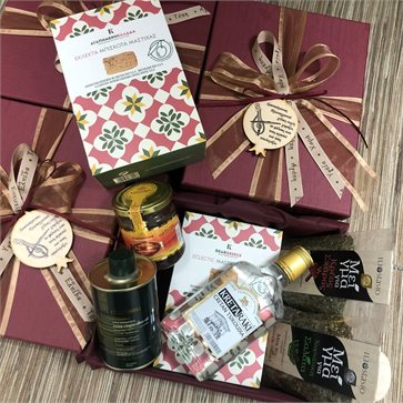 Christmas Gift Box with Cretan Goods